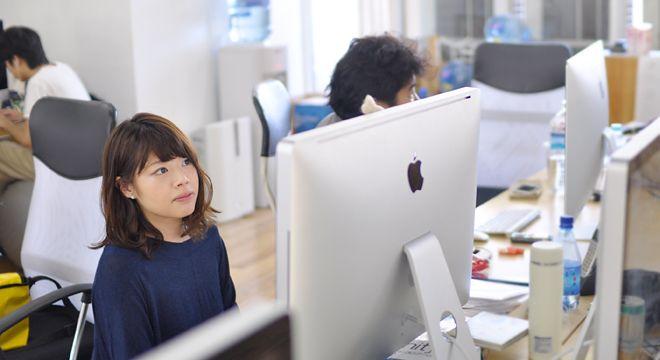 教えてHACK GIRL!生物、化学…畑違いの専攻だった彼女が、WEBエンジニアになったワケ。